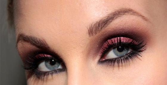 metallisk-ögonskugga-cranberry-MAC-tutorial-hiilen-sminkblogg-sminkbloggar